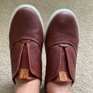 Frye never worn size 6 leather women's shoes